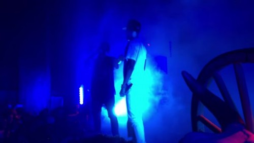 ts-500x282 Travis $cott Invites Big Sean On Stage In LA! (Video)