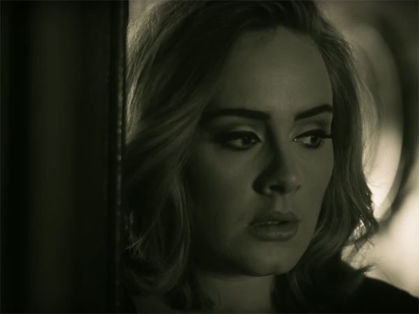 CSAgXXCXAAAsElM Adele x Mack Wilds - Hello (Video)