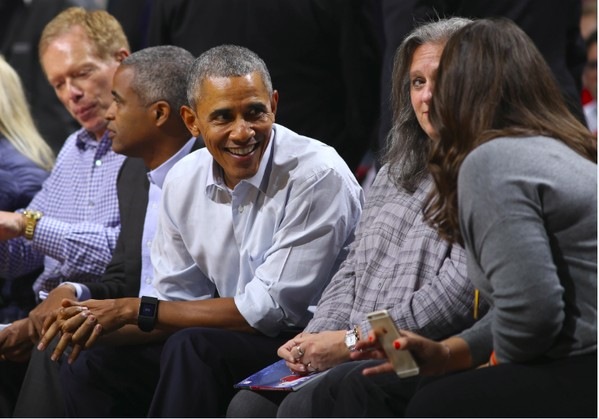 obama-3-1 Southside's Finest: President Obama Catches the Cavs vs. Bulls Game Courtside At The United Center (Photos)