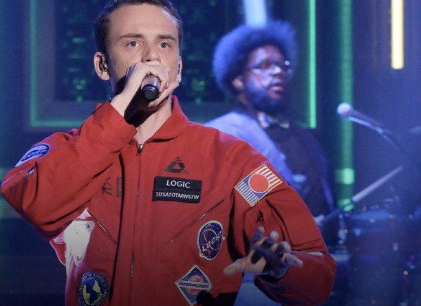 logic-performs-fade-away-with-the-roots-live-on-the-tonight-show-video-HHS1987-2015