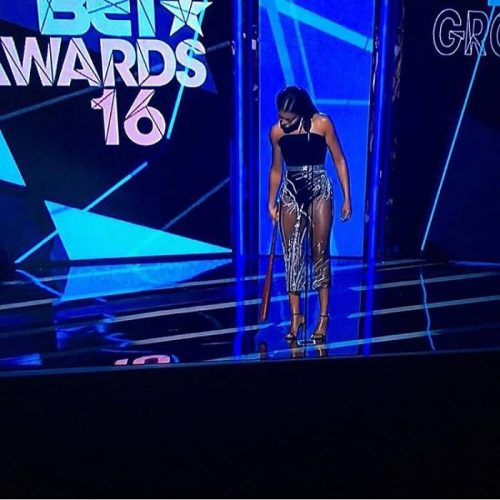 trophies-checkout-a-full-list-of-the-2016-bet-awards-winners-recap.jpg