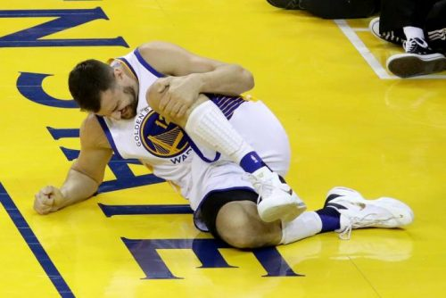 ClATxzFUYAIHo1e-500x334 Golden State Warriors Big Man Andrew Bogut Is OUT For The Remainder Of The 2016 NBA Finals