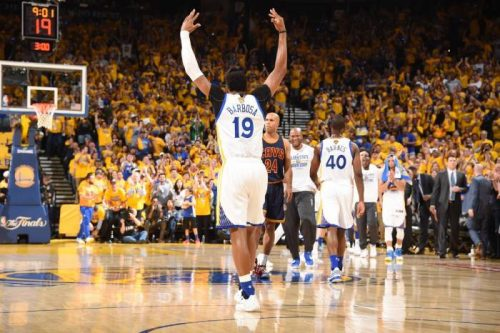 the-golden-state-warriors-defeated-the-cavs-in-game-1-of-the-2015-nba-finals-video.jpg