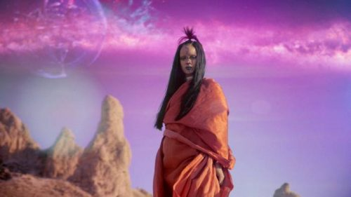 rihanna-500x281 Rihanna - Sledgehammer (Video)