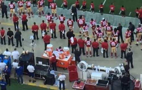 stand-up-guy-san-francisco-49ers-qb-colin-kaepernick-protests-the-national-anthem-due-to-americas-view-on-minorities2.jpg