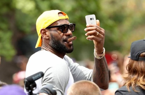 bron-87-500x330 Mo' Money: LeBron James Has Agreed To a 3-year $100 Million Deal with the Cleveland Cavaliers