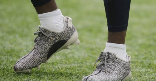 starting-off-on-the-wrong-foot-texans-wr-deandre-hopkins-gets-fined-for-wearing-adidas-yeezy-cleats2.jpg