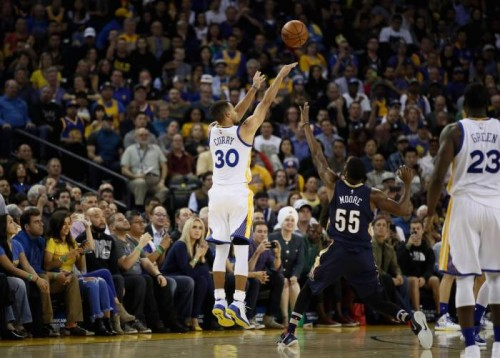 chef-curry-cooks-against-the-pelicans-steph-curry-sets-a-new-nba-record-making-13-3-pointers-video.jpg