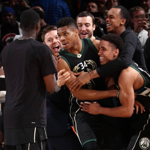 greek-show-bucks-star-giannis-antetokounmpo-scores-27-points-grabs-13-rebounds-hits-the-game-winner-vs-the-knicks-video.jpg