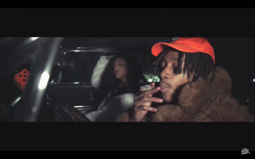 Screen-Shot-2017-05-26-at-5.59.47-AM-500x313 Wiz Khalifa - Pull Up With A Zip (Video)