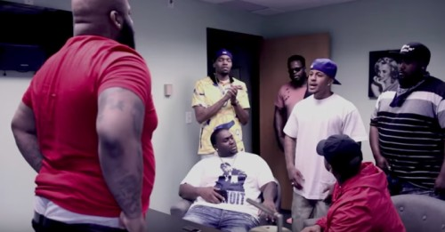 Screen-Shot-2017-09-04-at-2.33.33-AM-500x261 King Wayz - United We Stand Ft. Yowda (Video)