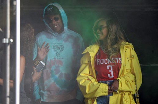 "Jay Z Sings ""Happy Birthday"" to Beyonce at Made in America"
