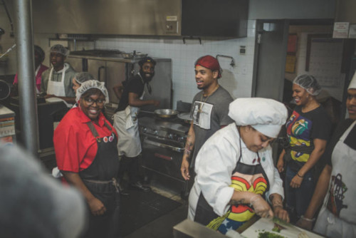 unnamed-5-1-500x334 Mack Wilds Chops It Up At 4th Annual Yo Stay Hungry Biggie Day Culinary Competition!