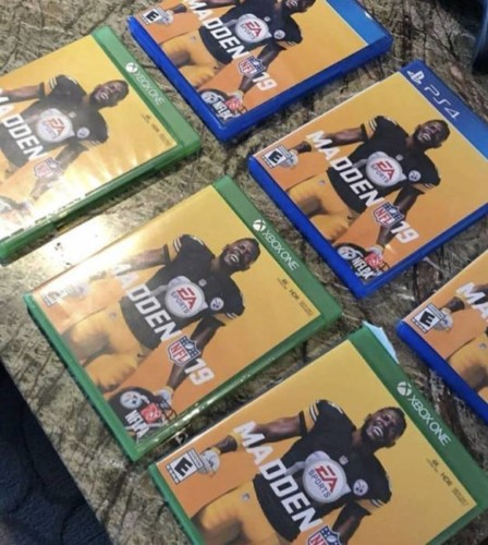 DiWo8MUVQAE5Jv9-448x500 Wave Your Flags Steelers Nation: Antonio Brown Revealed as the Madden 19 Cover Athlete