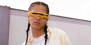 download-10 070 Shake - I Laugh When I'm With Friends But Sad When I'm Alone (VIDEO)