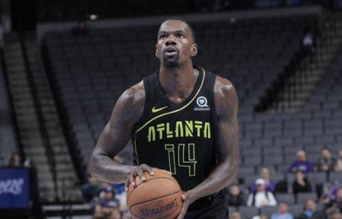 Dm-8P76UwAAjf-y-500x320 True To Atlanta: Atlanta Hawks Big Man Dewayne Dedmon Will Remain Sidelined For a Few More Weeks