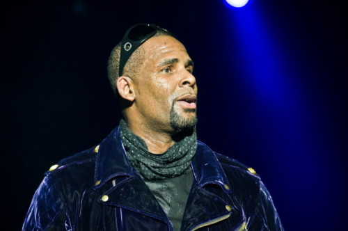 "gettyimages-134372889-594x594-500x332 R. Kelly Reportedly Under Criminal Investigation Following ""Surviving R. Kelly"""
