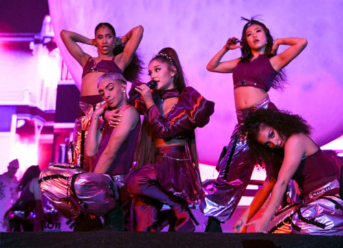 ariana-grande-coachella-6-500x361 Ariana Grande Brings Out Nicki Minaj, Diddy & NSYNC at Coachella!