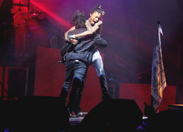 this Wiz Khalifa - Remember You Ft. The Weeknd x Live In Toronto (Video)