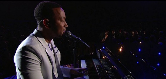 9vdfGWm John Legend – All Of Me (Live At The GRAMMY's) (Video)