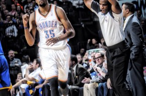 Kevin Durant Explodes and Drops 54 Points against the Golden State Warriors (Video)