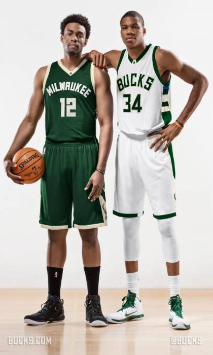CG12McMUgAAwj2I Change Gon Come: The Milwaukee Bucks Reveal Their New Uniforms (Photos)