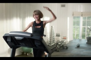 "Taylor Swift Raps Drake's ""Jumpman"" Verse In New Apple Music Ad (Video)"