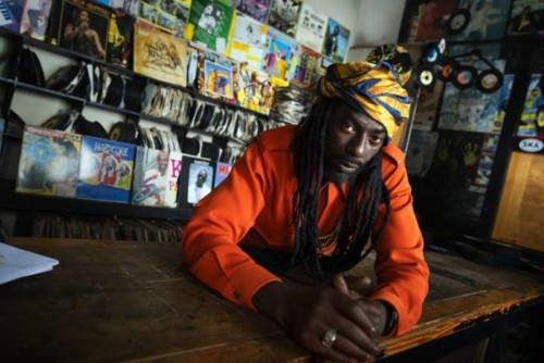 "CKNRS4ANNMI6VACUFCNO63RYUM-500x334 Buju Banton Signs w/ Roc Nation & Unveils ""Steppa"" Video!"