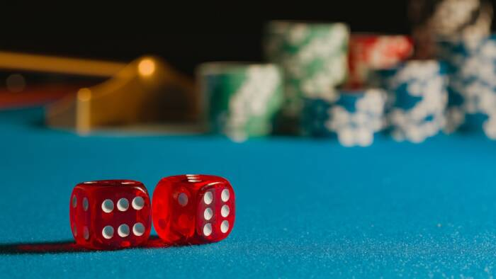 dice-5309371_1280 RISK TAKERS: 10 Famous Rappers That Gamble
